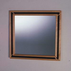 1987 Kvadratisk spegel med inläggningar